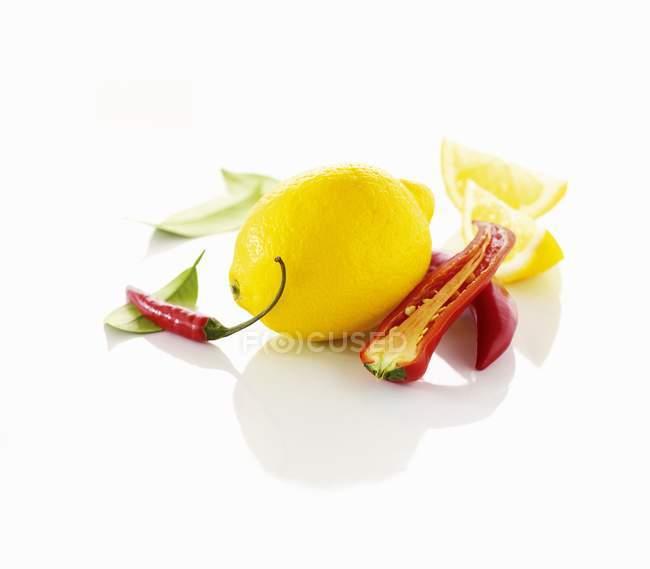Pimentos de limão e pimentão — Fotografia de Stock