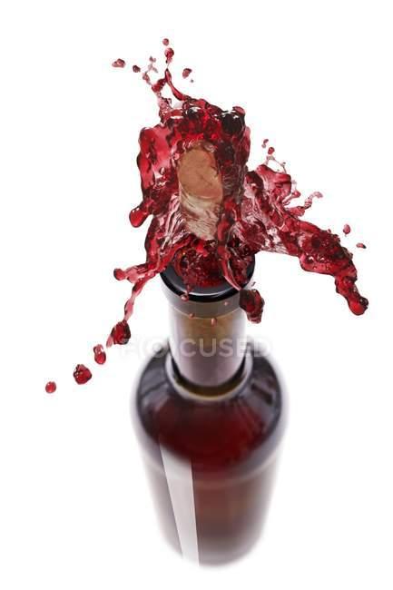 Червоне вино обприскування out — стокове фото