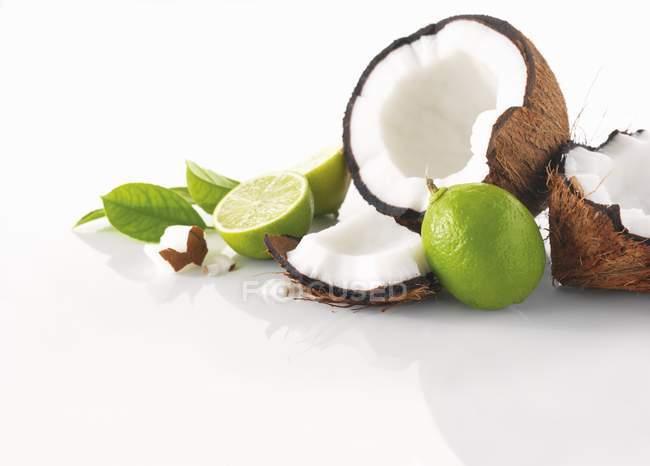 Свіжого кокосу та Лайми — стокове фото