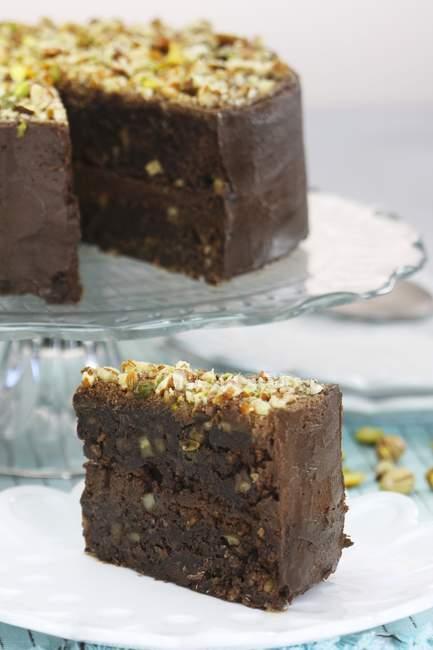Schokolade Brownie Kuchen mit Nüssen — Stockfoto