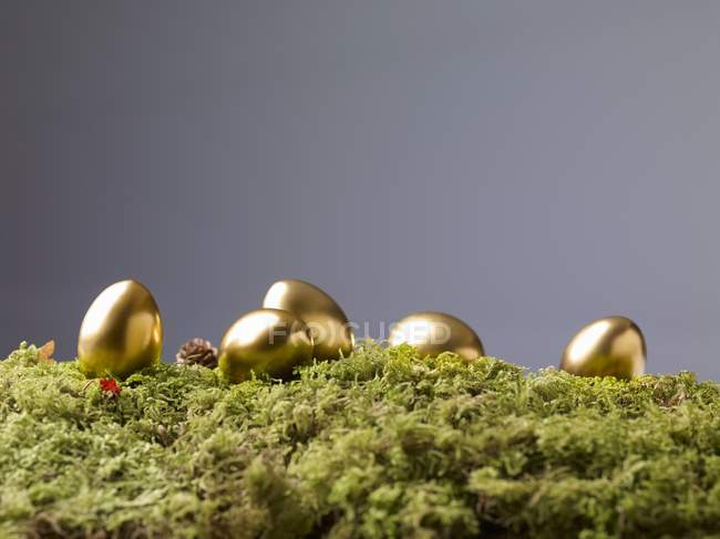Golden Easter eggs — Stock Photo