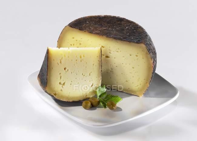 Pecorino Fiore Sardo cheese — стоковое фото