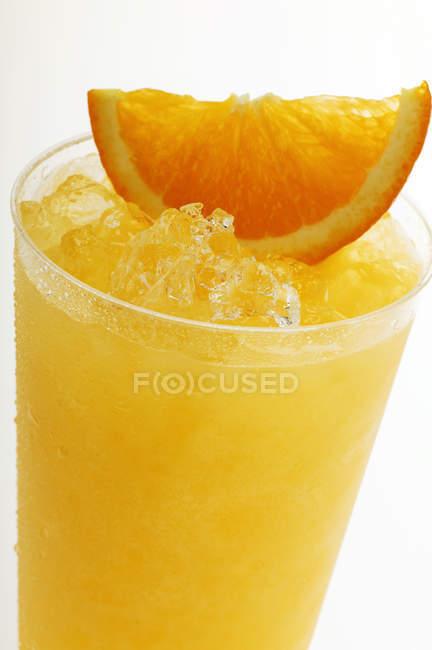 Succo d'arancia con ghiaccio tritato — Foto stock