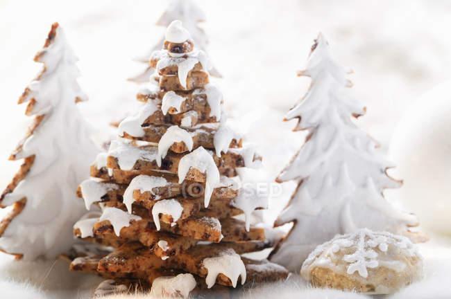 Пряник деревья с глазурью — стоковое фото