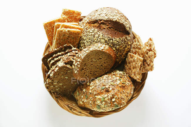 Wholemeal bread and crispbread — Stock Photo