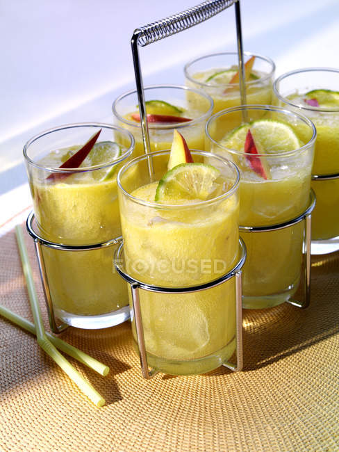 Mango und Rum cocktails — Stockfoto