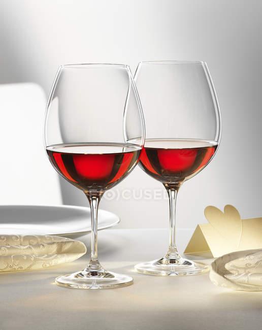 Gläser rotwein — Stockfoto