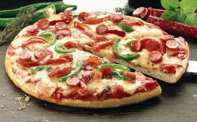 Піца з перцем Чілі — стокове фото