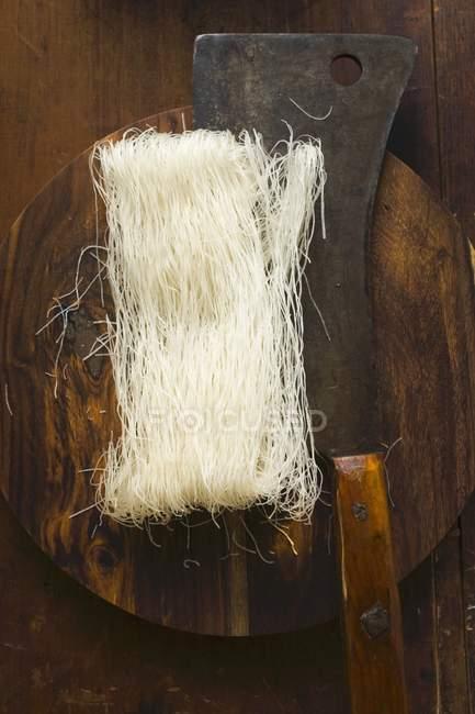 Тонкі рисова локшина — стокове фото