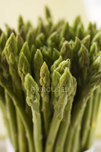 Asperges fraîches vertes — Photo de stock