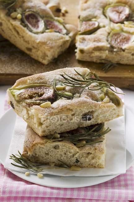 Фокаччо шматки хліба з інжиром — стокове фото