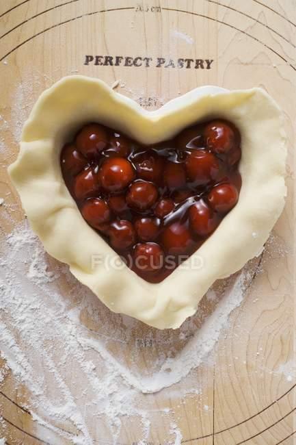Fazer torta de cereja — Fotografia de Stock