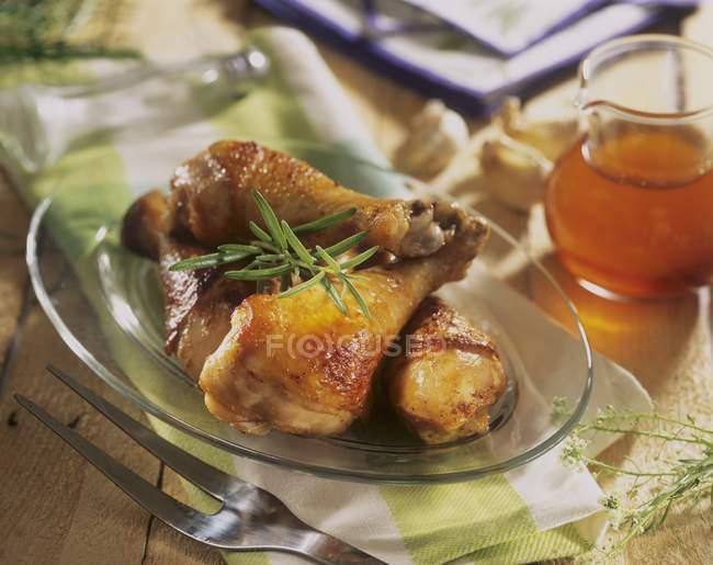 Pernas de frango assado — Fotografia de Stock