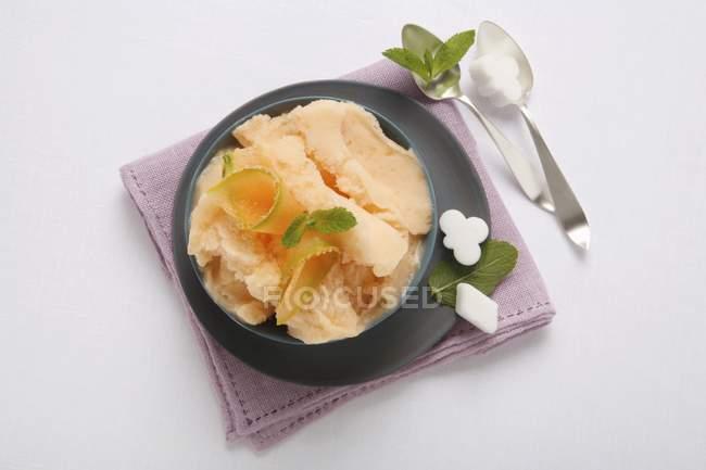 Sorvete de melão doce — Fotografia de Stock