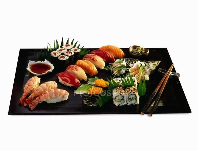 Verschiedene Arten von Sushi — Stockfoto