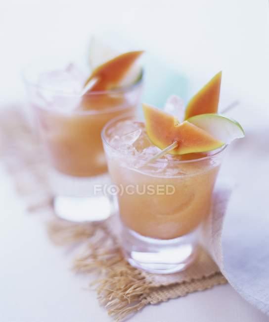 Fruchtige Sommergetränk — Stockfoto
