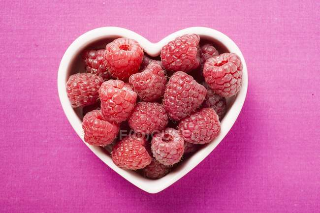 Fresh ripe raspberries — Stock Photo
