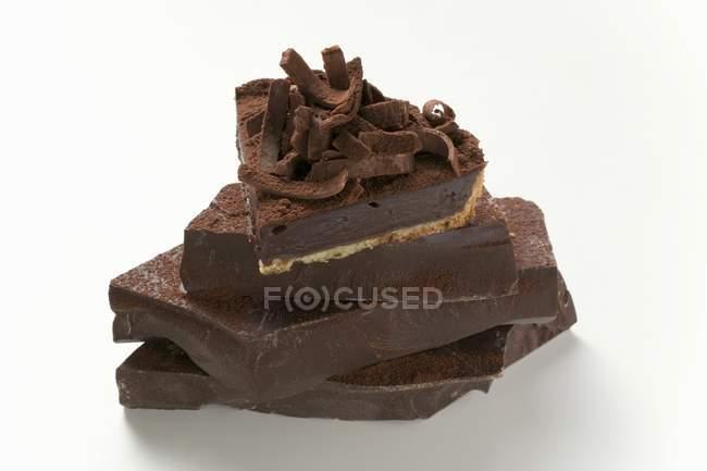 Кусочек шоколадного пирога — стоковое фото