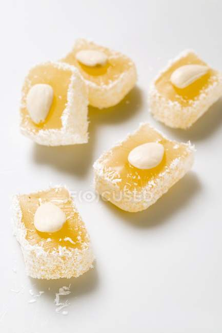 Delizia alle mandorle e cocco — Foto stock