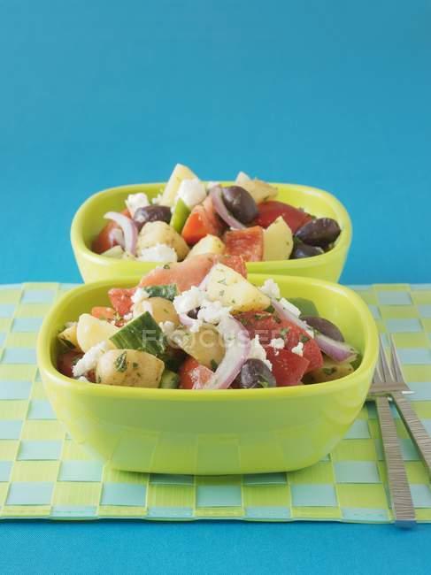 Insalata greca con patate e verdure — Foto stock