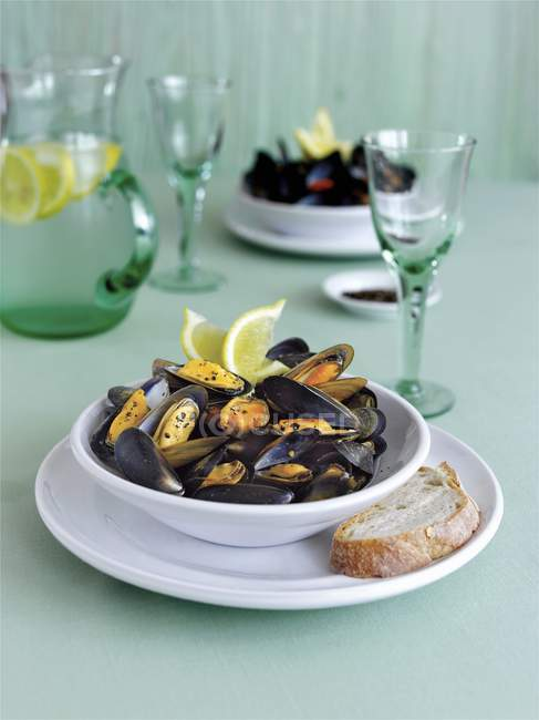 Cooked Mussels with pepper — Stock Photo