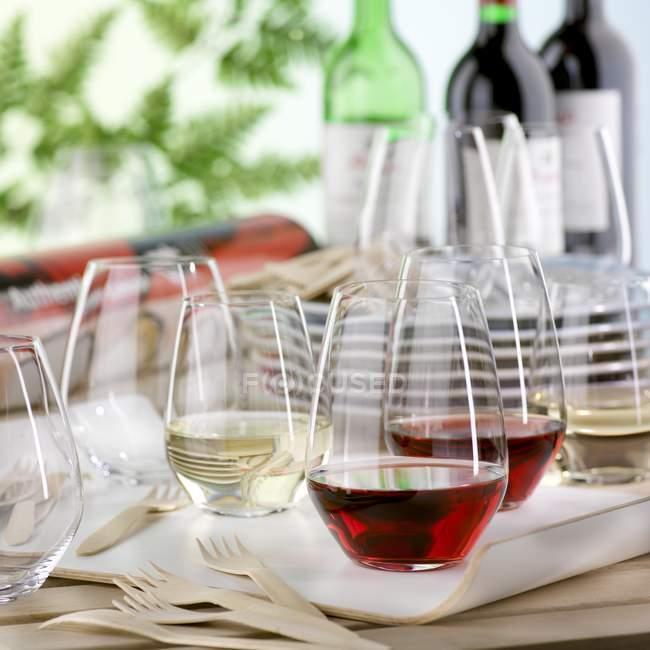 Garten Party mit Weingläser — Stockfoto