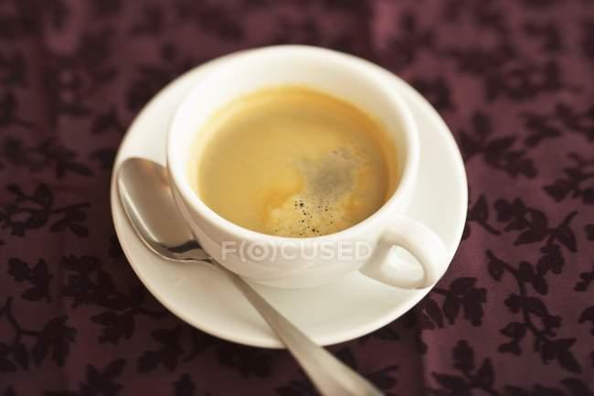 Чашка черного кофе — стоковое фото