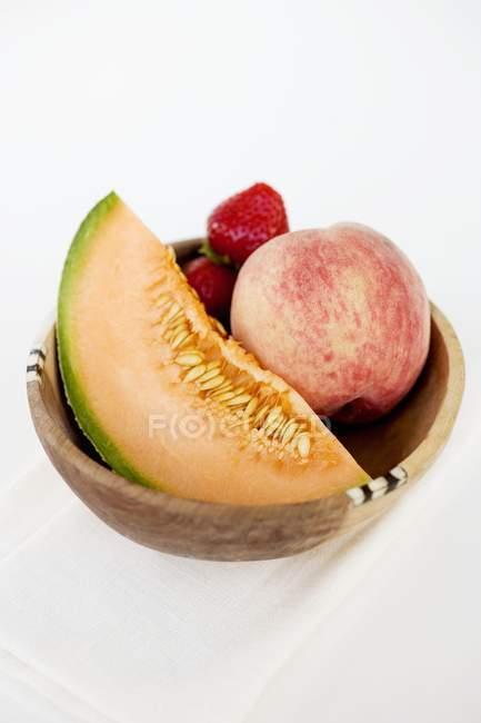 Fruteira com melão — Fotografia de Stock