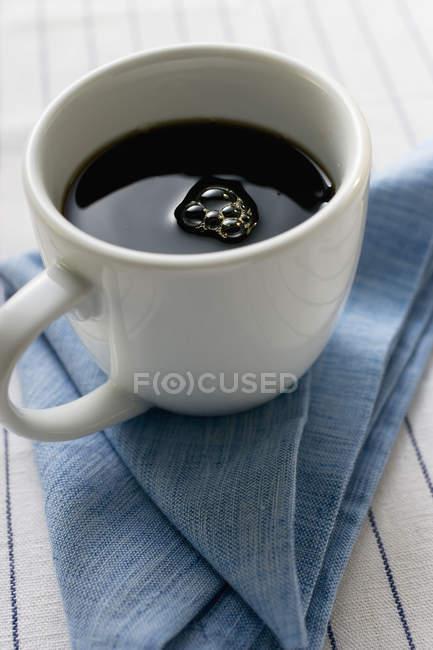 Tazza di caffè nero — Foto stock