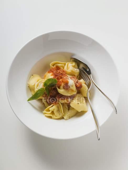 Tortellini pasta with tomato sauce — Stock Photo