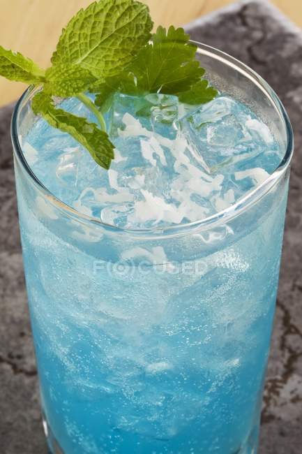 Blue Mojito with Mint leaves — Stock Photo