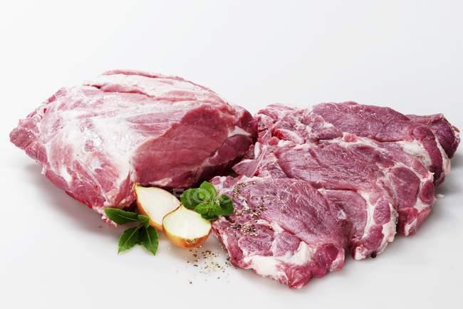 Бифштексы из свиной воротник — стоковое фото