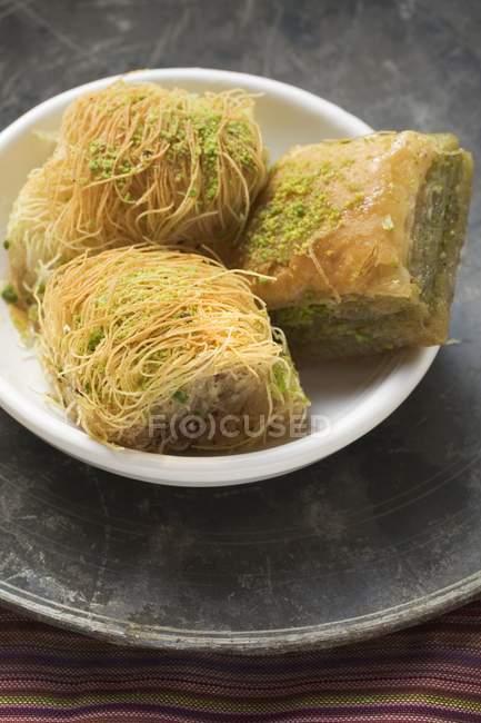 Baklava e dolci turchi kadayif — Foto stock