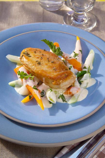Filet de poitrine de poulet rôti — Photo de stock