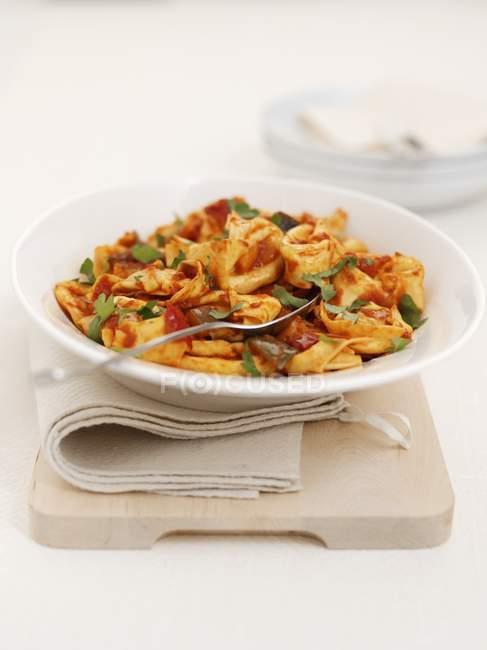 Pecorino tortellini pasta with peppers — Stock Photo