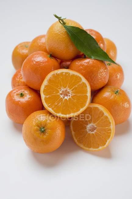 Clementinas frescas maduras - foto de stock