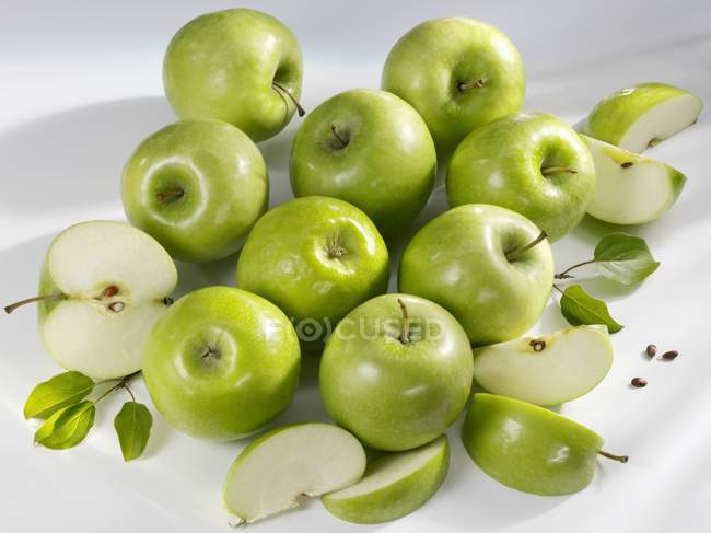 Бабушкины яблоки — стоковое фото