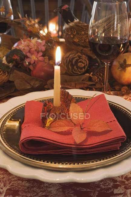 Festive decorated place setting for Thanksgiving — Stock Photo
