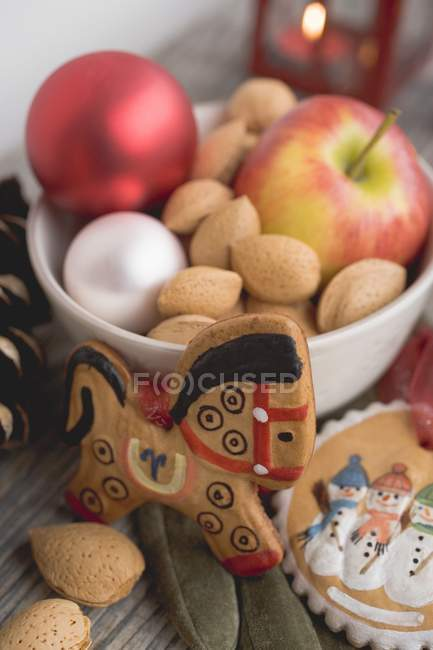 Gingerbread tree ornaments — Stock Photo