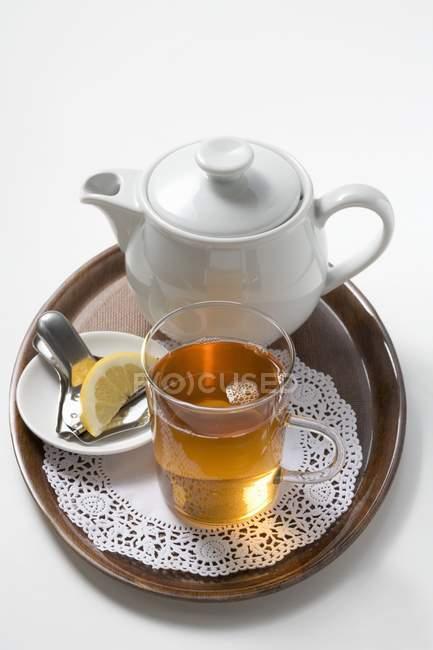 Thé noir au citron — Photo de stock