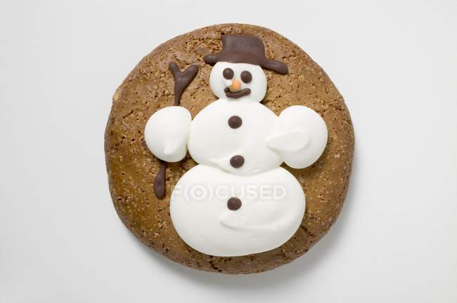 Round gingerbread  snowman — Stock Photo