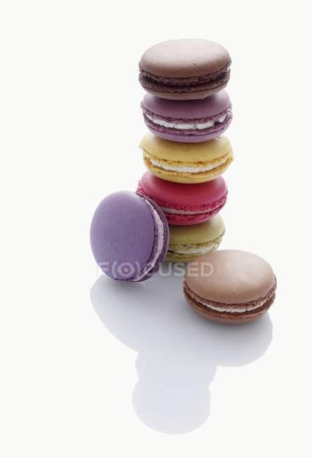 Разные цветные миндальное печенье — стоковое фото
