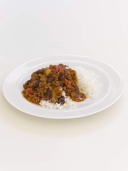 Чили Кон Карне с рисом — стоковое фото