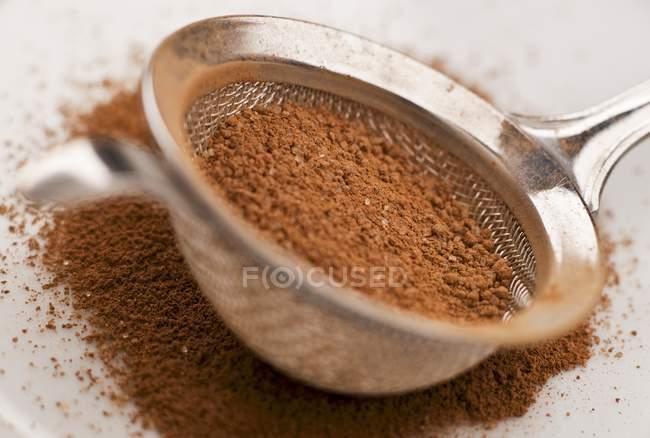 Какао порошка, смешанного с сахаром — стоковое фото
