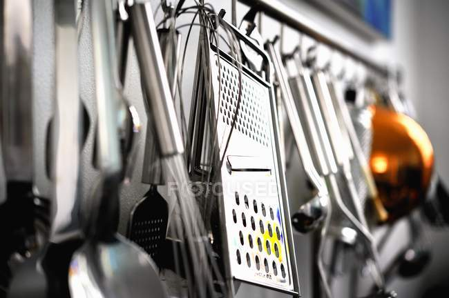 Varios utensilios de cocina - foto de stock