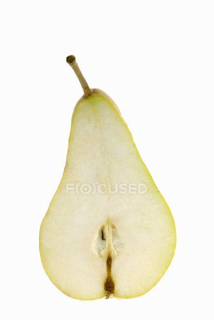 Mitad pera fresca - foto de stock