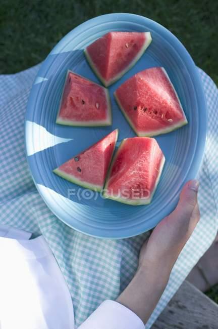 Assiette femme de pastèque — Photo de stock