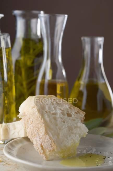 Pain blanc à l'huile — Photo de stock