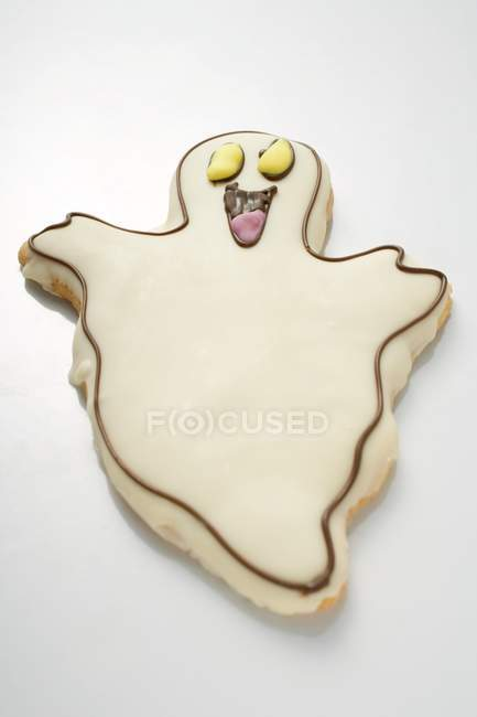Sweet Ghost biscuit for Halloween — Stock Photo