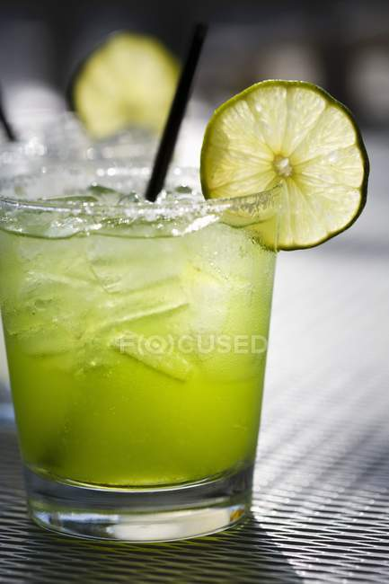 Margarita on the Rocks with Lime Slice — Stock Photo